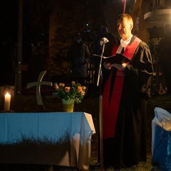 Pfarrer Grabner hält die Predigt!